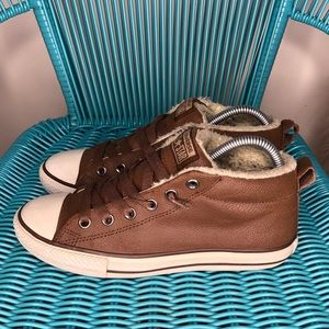 Brown leather mid top Converse All Star 5Y